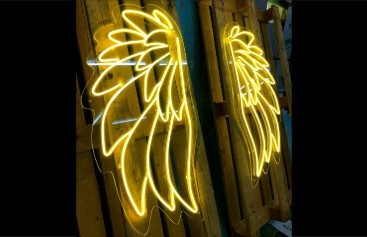 Крылья из гибкого неона для фотозоны