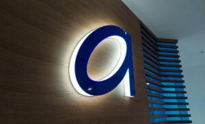 Объемные световые буквы для банка