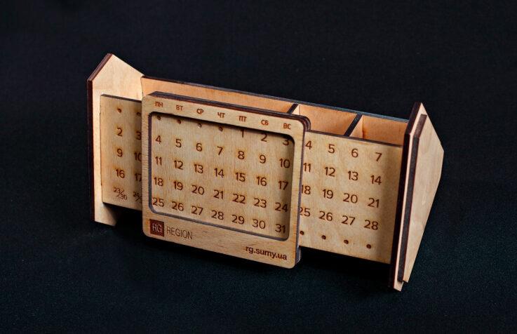 Вечный настольный календарь