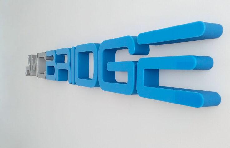 Объемный интерьерный логотип